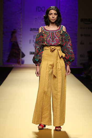 Mynah By Reynu Taandon _Amazon India Fashion Week Autumn Winter 2016_Hauterfly