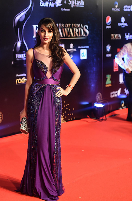 Nora-Fatehi_TOIFA-Red-Carpet-Dubai_Hauterfly