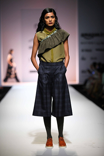Not So Serious Pallavi Mohan Culottes With Top_AIFW AW16_Hauterfly