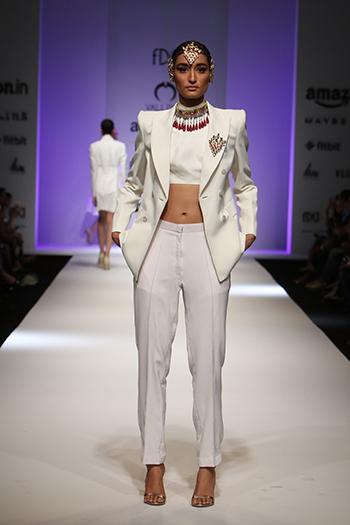 Valliyan By Nitya _Amazon India Fashion Week AW 16_Hauterfly