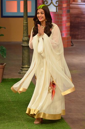 Aishwarya Rai Bachchan 2_Week In Style April 29_Hauterfly