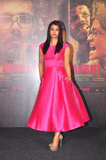 Aishwarya Rai Bachchan 2_Week In Style_April 16
