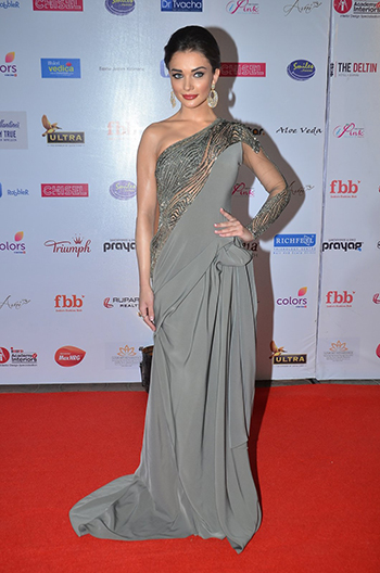 Amy Jackson 2_Week In Style_April 16