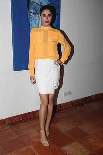 Nargis Fakhri 1_Week In Style April 29_Hauterfly