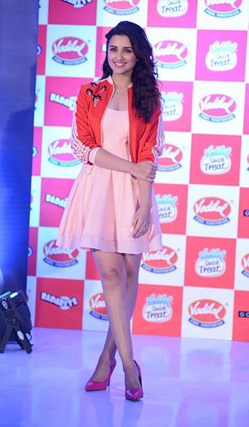 Parineeti Chopra 1_Week In Celebrity Style_April 9_Hauterfly