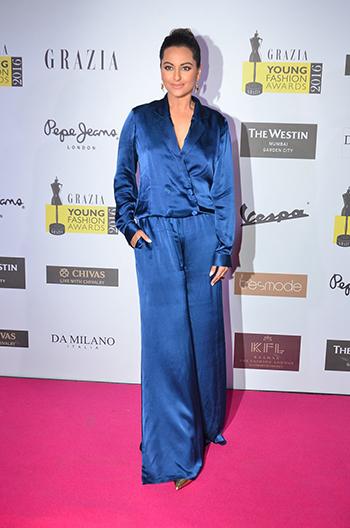 Sonakshi Sinha_Week In Celebrity Style_April 9_Hauterfly