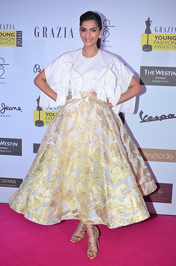 Sonam Kapoor_Week In Celebrity Style_April 9_Hauterfly