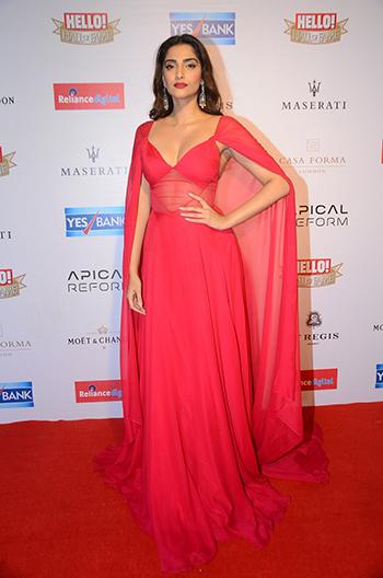 Sonam Kapoor_Week In Style_April 16