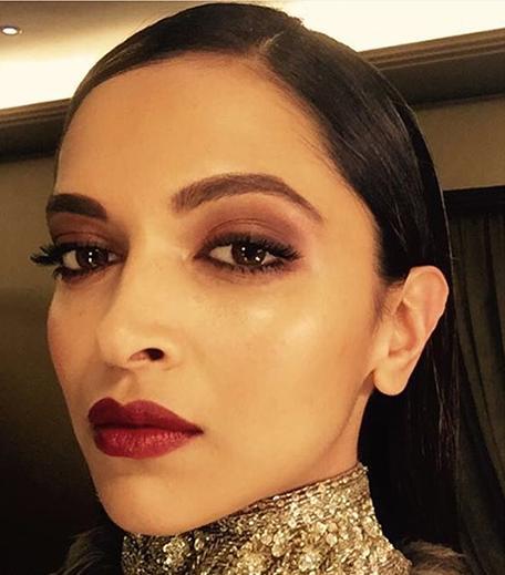 Deepika Padukone Giant Awards Makeup_Hauterfly