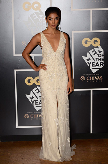 gq-mens-awards_pooja-hegde_hauterfly