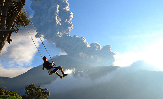 Swing at the end of the world_Hauterfly