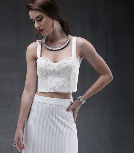 ankita-choksey-white-lace-crop-top_hauterfly