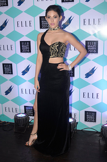 Amyra Dastur Elle Beauty Awards 2016_Hauterfly