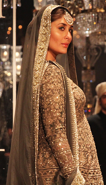kareena-Sabyasachi_Fall Makeup_Hauterfly
