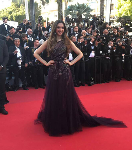 Get Deepika Padukone's Makeup From Cannes Day 1_Hauterfly
