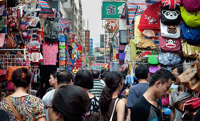 Travel Influencers_Divia Thani Daswani_CN Traveller_Mong Kok Market_Hauterfly