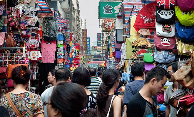 Travel Influencers_Divia Thani Daswani_CN Traveller_Mong Kok Market_Hauterfly