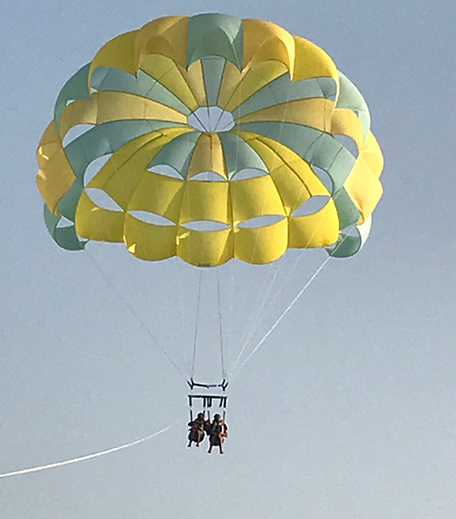 Parasailing_Travel_Adventure sports_Hauterfly