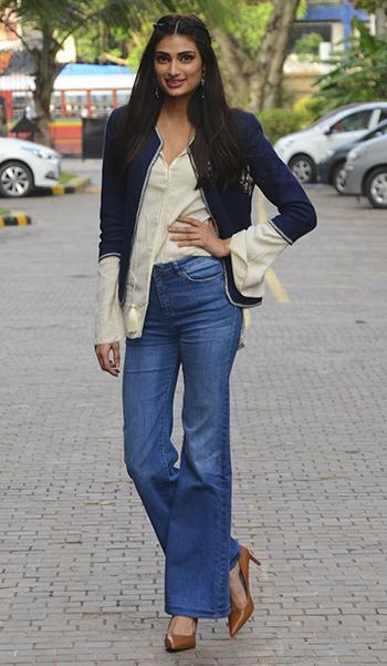 Week In Style_Athiya Shetty_July 8-14_Hauterfly