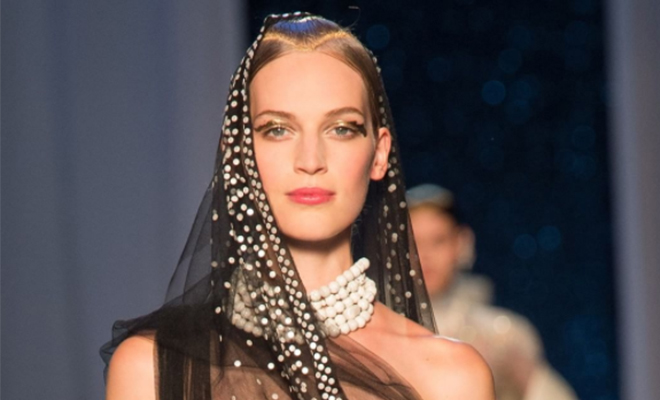 Metallic Beauty Looks From Paris Couture Week_Featured_Hauterfly