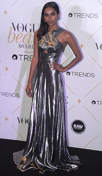 Vogue Beauty Awards_Nidhi Sunil_Hauterfly