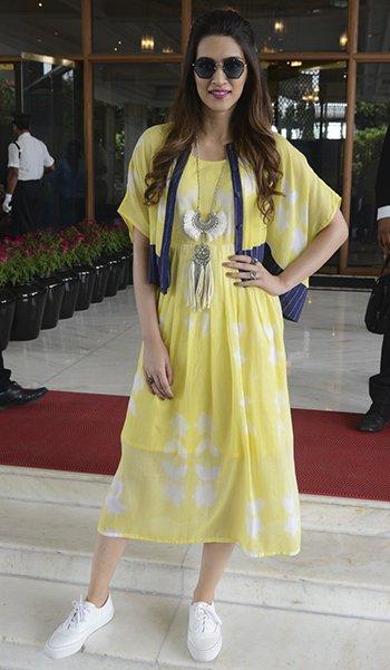 Kriti Sanon in KaShaKhan_Kriti Sanon Desi Style_Hauterfly