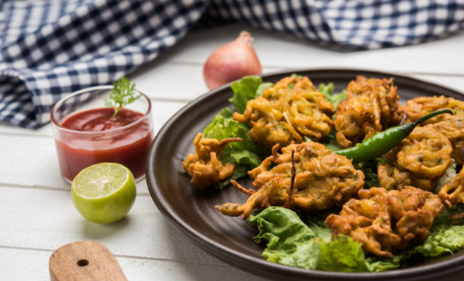 inpost-foods to avoid in monsoon-pakoda