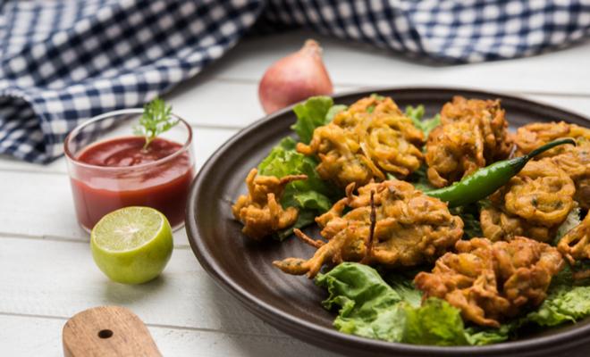 inpost-foods to avoid in monsoon-pakoda