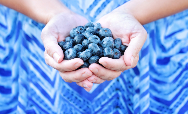 inpost - helping people - giving fruit