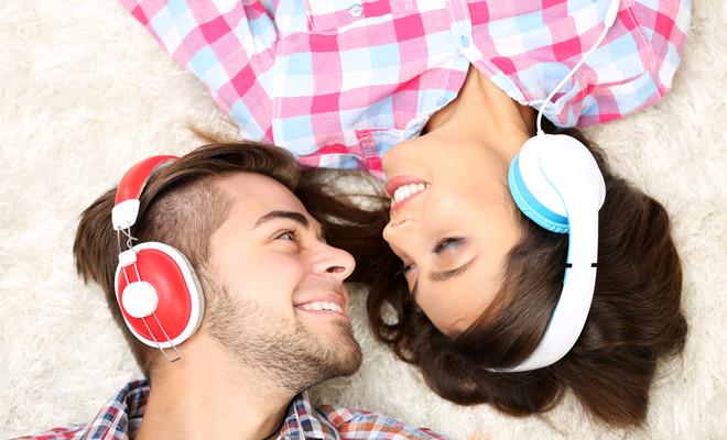 inpost-romantic monsoon-listening to music