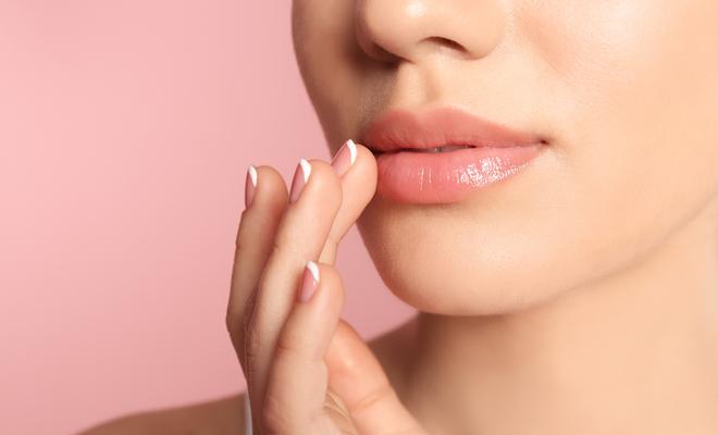 castor_oil_healthy_lips_inpost