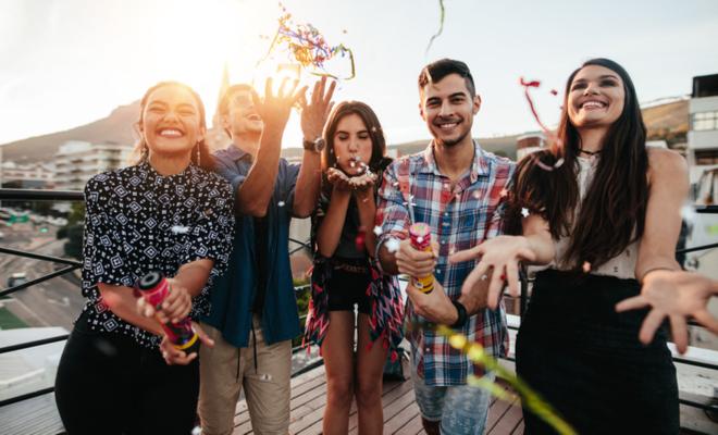 offbeat_idea_for_epic_bachelorette_party_friends_party