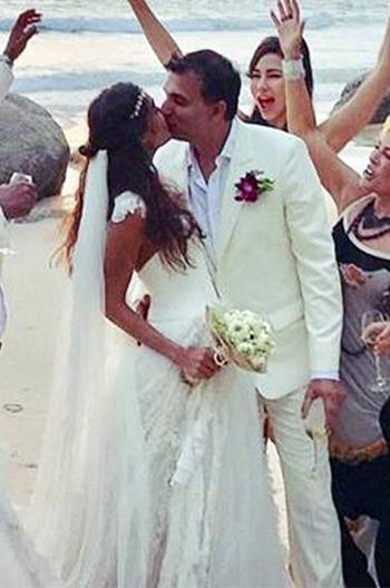 bollywood_couple_goals_wedding_lisahaydon