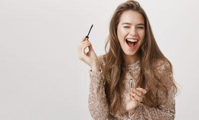 applying_makeup_beauty_websitesize_featureimage_hauterfly