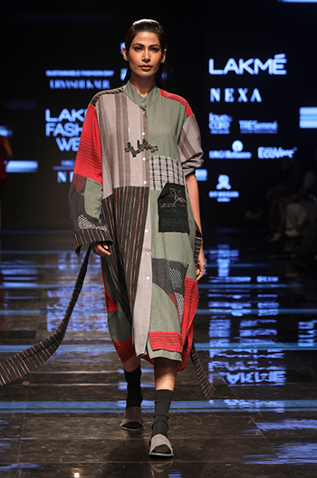 Urvashi Kaur Lakme Fashion Week
