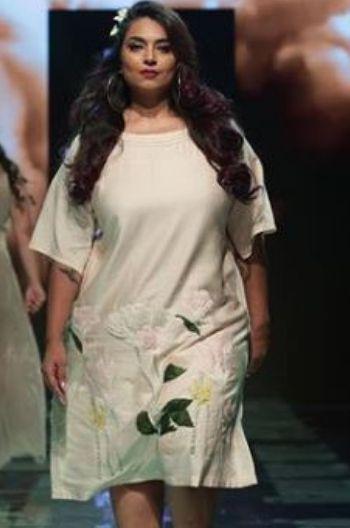 Rina Dhaka LFW