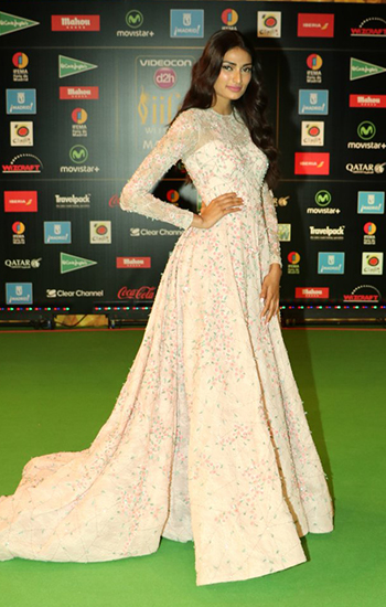Athiya Shetty_IIFA Awards 2016_Hauterfly