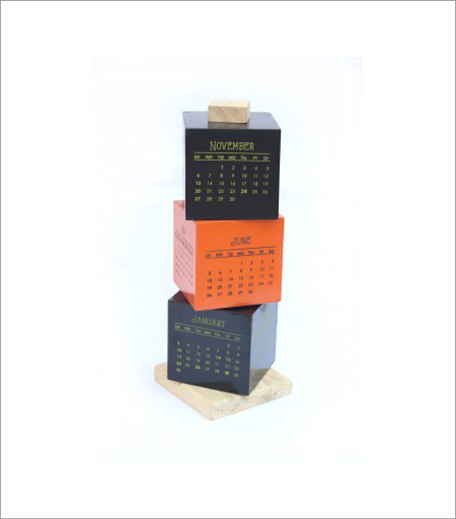 DESK CALENDAR_HAUTERFLY