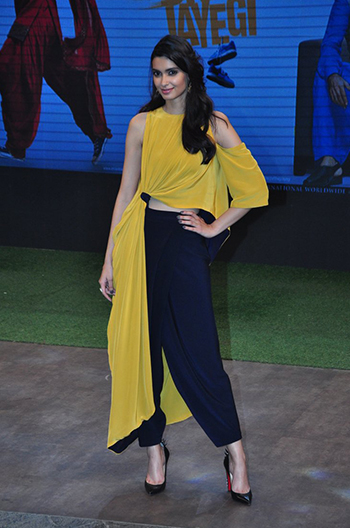 Diana Penty_Week In Style_July 23_Hauterfly