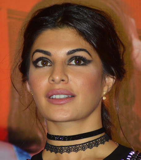 Jacqueline Fernandez Black Cat Eye in post_Hauterfly