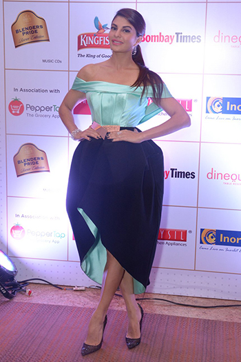 Jacqueline Fernandez_Off The Shoulder_Hauterfly