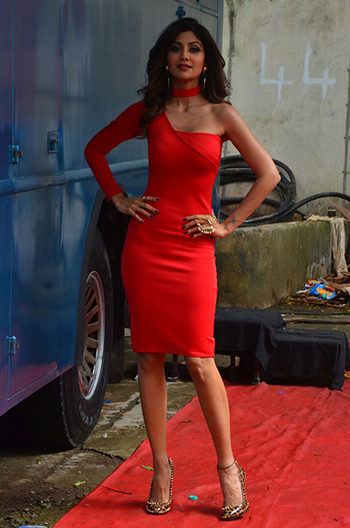 Shilpa Shetty 2_Week In Style_August 13_Hauterfly