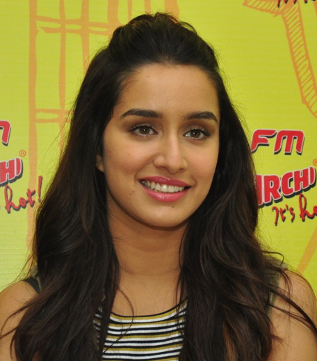 Shraddha Kapoor Lakme in post 1_Hauterfly