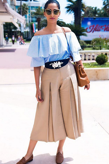 bd3b3eb044b30 The Celebrity-Approved Way To Try The Off-Shoulder Trend!