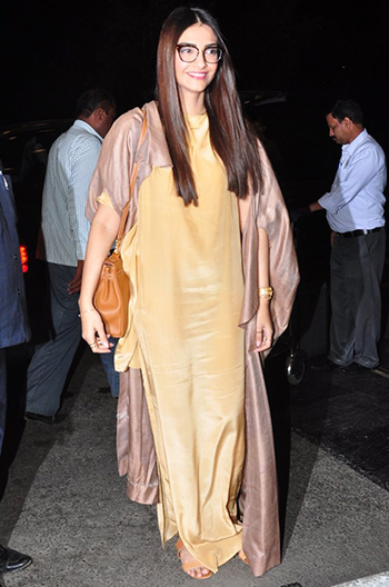 Sonam Kapoor 2_Week In Style_May 14_Hauterfly